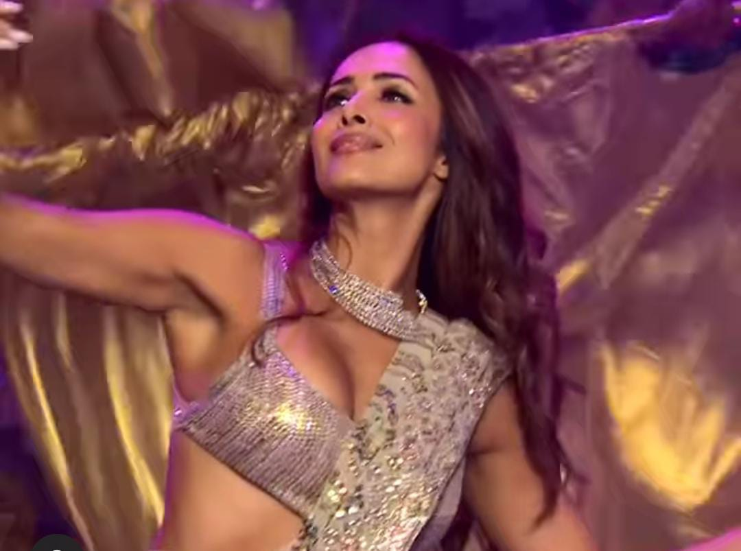 Read more about the article Bigg Boss OTT: Malaika Arora as a Param Sundari arrived on the stage of Bigg Boss to set her on fire   bigg boss 15 date   bigg boss 15 contestants